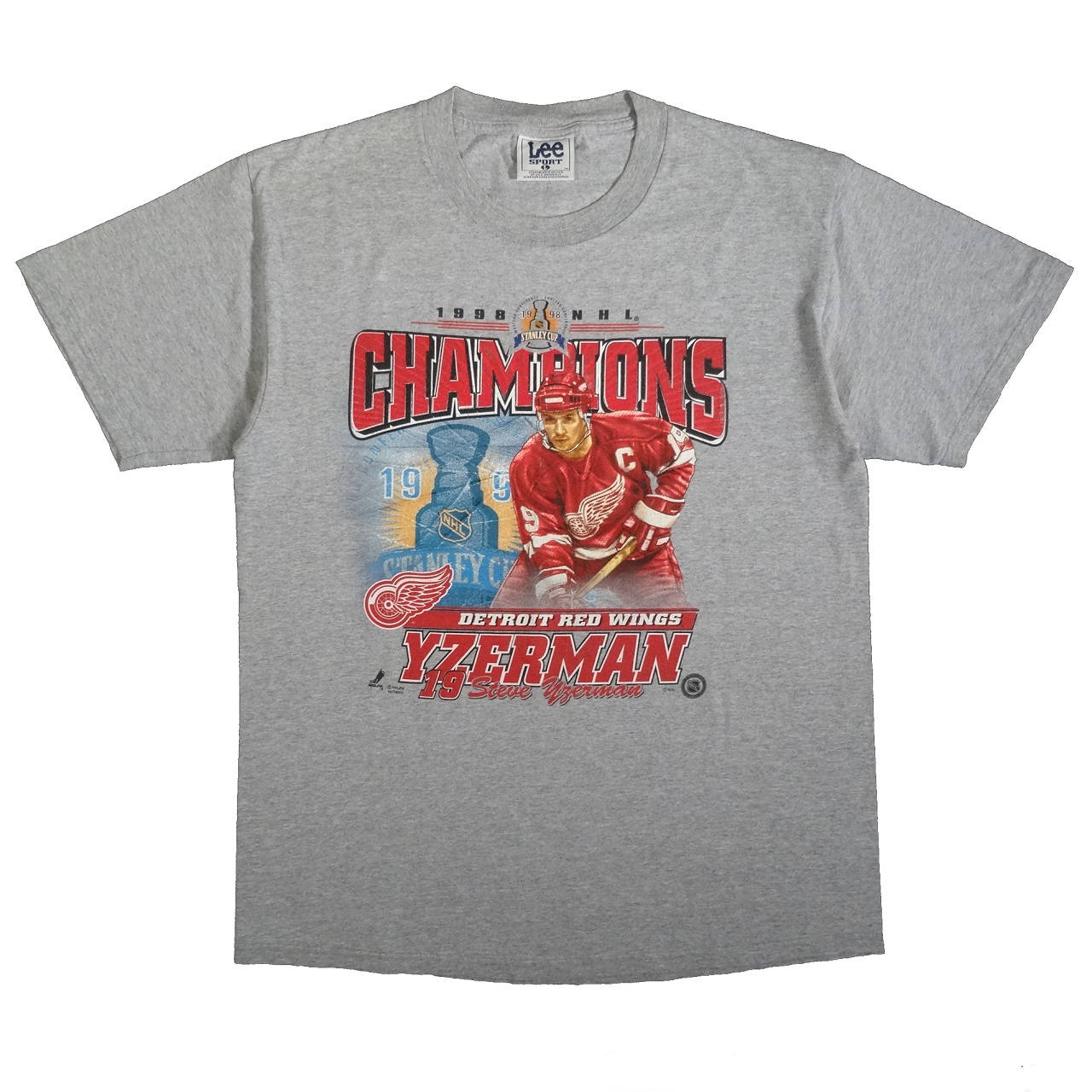 Detroit Red Wings Yzerman 1998 NHL Champions Vintage T Shirt Front